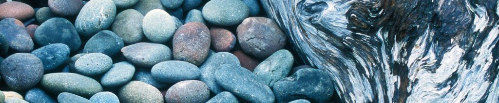stone-woodstrip-71264053